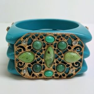 Jewelry - Large turquoise and Jade colored plastic bracelet